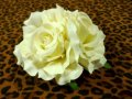 Vivien of Holloway White Roses Hair Clip