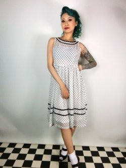 画像2: ☆Lindy Bop☆Rosina White Polka Dot Swing Dress 11号