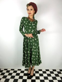 画像1: ☆Collectif ☆ WILLA PRESSED FLORAL WRAP DRESS Olive Green 15号