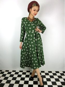 画像2: ☆Collectif ☆ WILLA PRESSED FLORAL WRAP DRESS Olive Green 15号