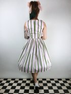 他の写真3: ☆Collectif☆CANDICE STRAWBERRY STRIPED SWING DRESS 9号
